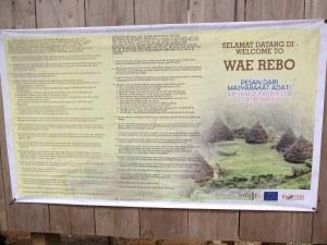 Tulisan di Pos 3, sebelum masuk ke gerbang Wae Rebo